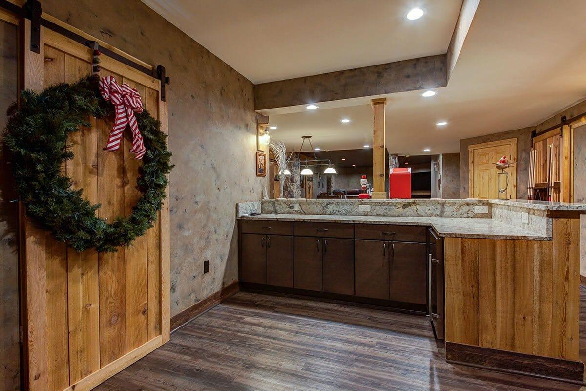 Bar-Barn-door