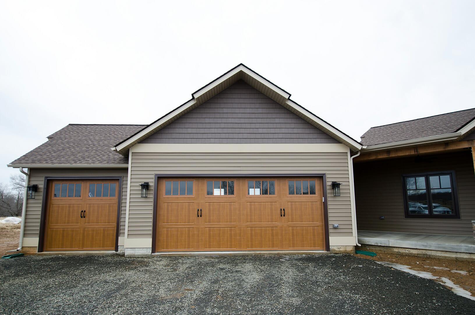Rustic_Home_-_Ext_Garage