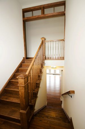 Rustic_Home_-_Int_Stairway