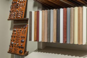 Showroom_Display_Hardware_01