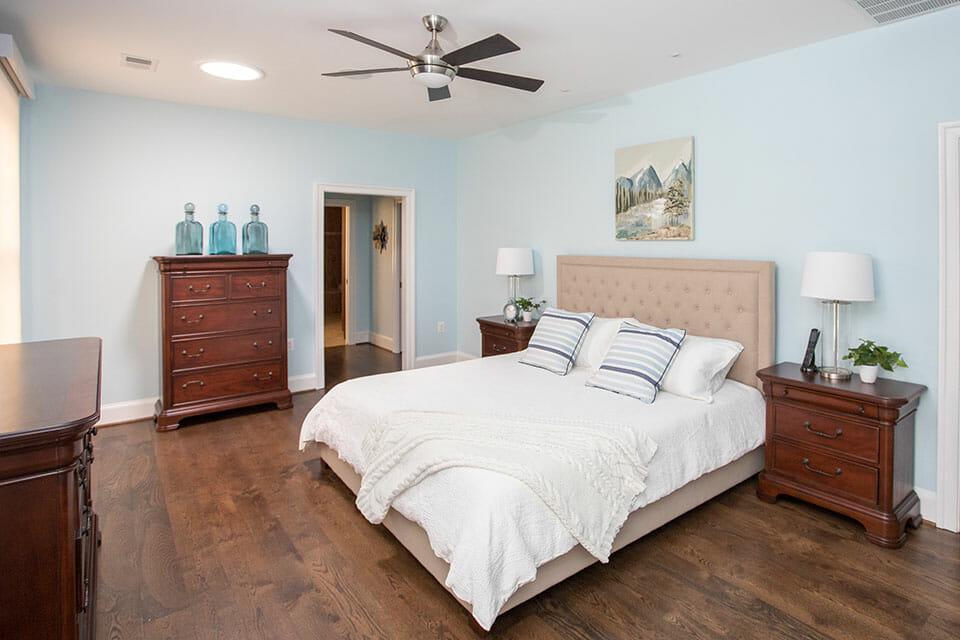 100-Bedroom-01-Master-54