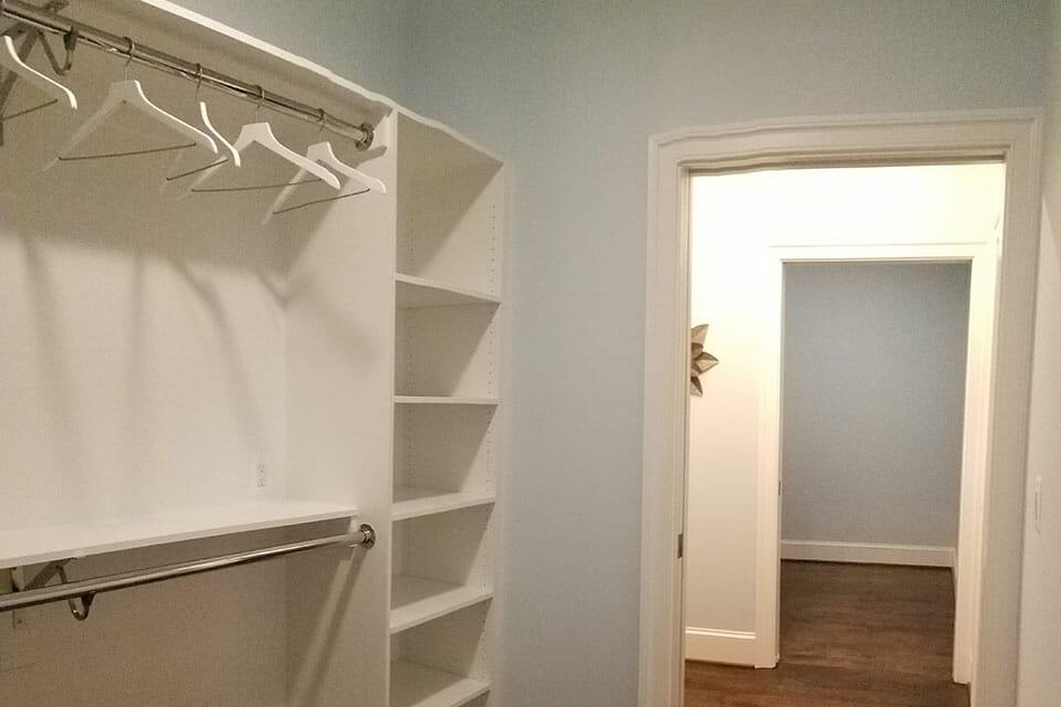 110-Bedroom-01-Master-Closet-072735