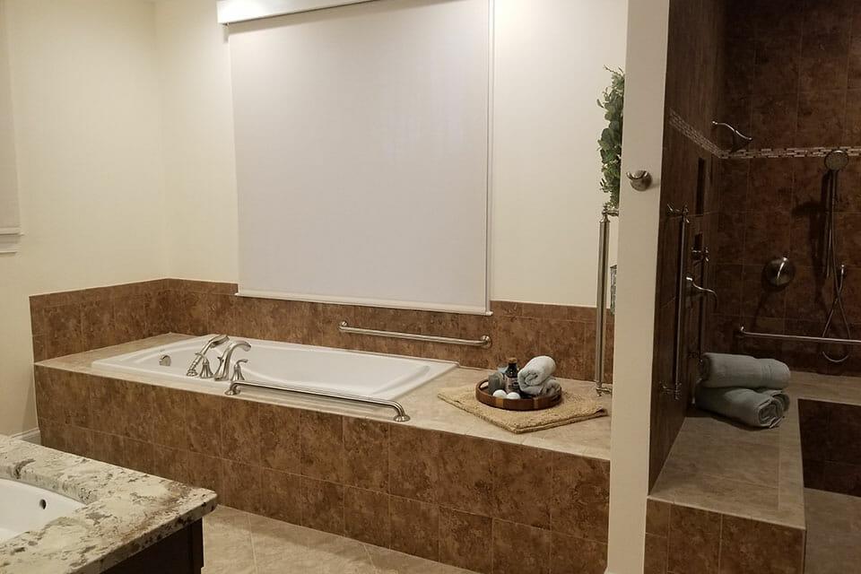 123-Bath-01-Master-072806