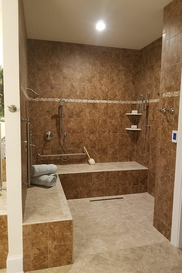 124-Bath-01-Master-072811